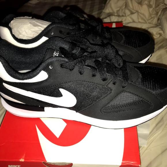 Ocurrir melón Volver a llamar  Nike Shoes | Nike Air Pegasus New Racer Size 7 Blackwhite | Poshmark